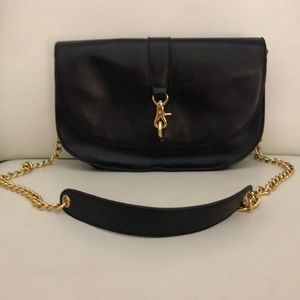 BADGLEY MISCHKA black leather gold chain crossbody